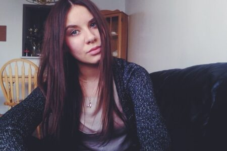 Gwenaelle, 20 cherche une relation
