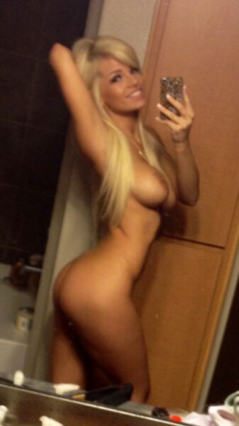 Tessa je suis en ligne sur ce site de rencontre libertine pour faire une rencontre sexe avec un homme plus jeune et passer du bon temps avec lui