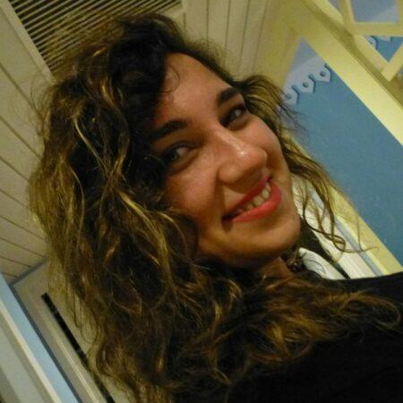 Aliyah, 20 cherche une relation