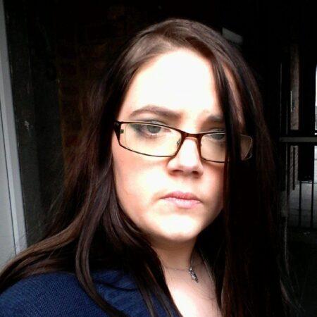 Leonie je me suis inscrite sur ce site de chat sexy seulement pour sucer une grosse poutre bien epaisse