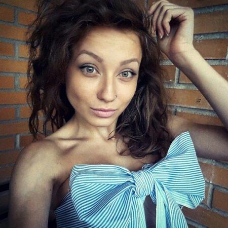 Lili-Rose dispo pour une rencontre sexuel sans engagement a Avignon