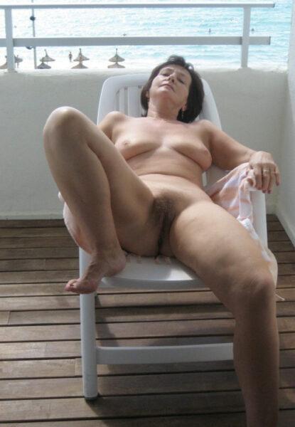 Imene, 54 cherche une relation